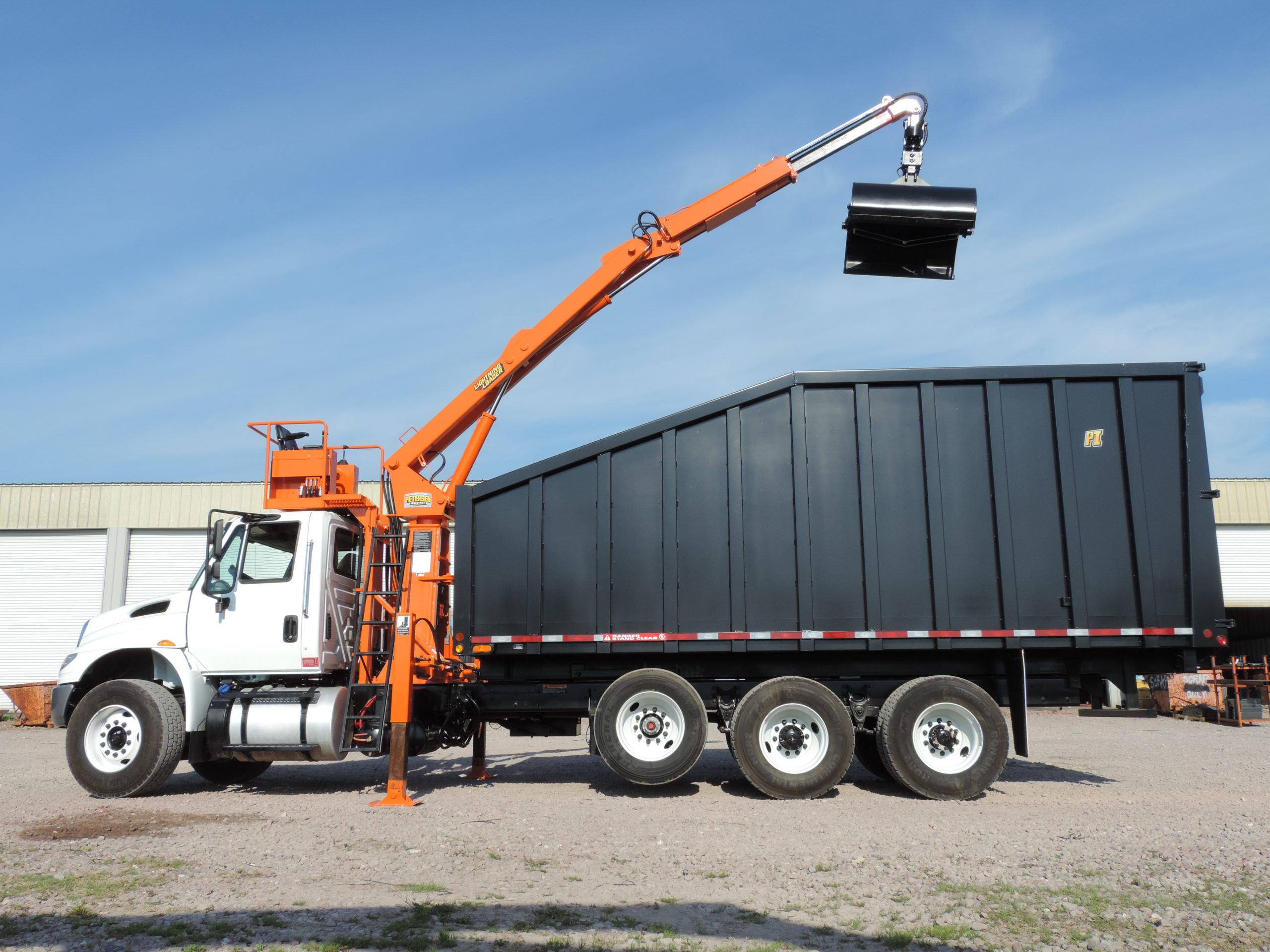 Grapple Truck Service
